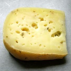 Polotvrdý sýr - levandule cca. 150g